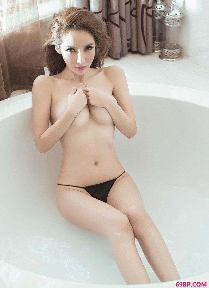 美乳裸模陈怡曼大尺度艺术摄影_日本高清熟妇老熟妇