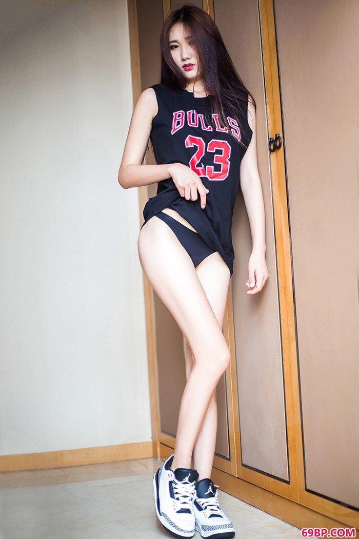 运动宝贝子珂脱衣露乳让人意乱情迷_中国妇女毛茸茸黑茸茸