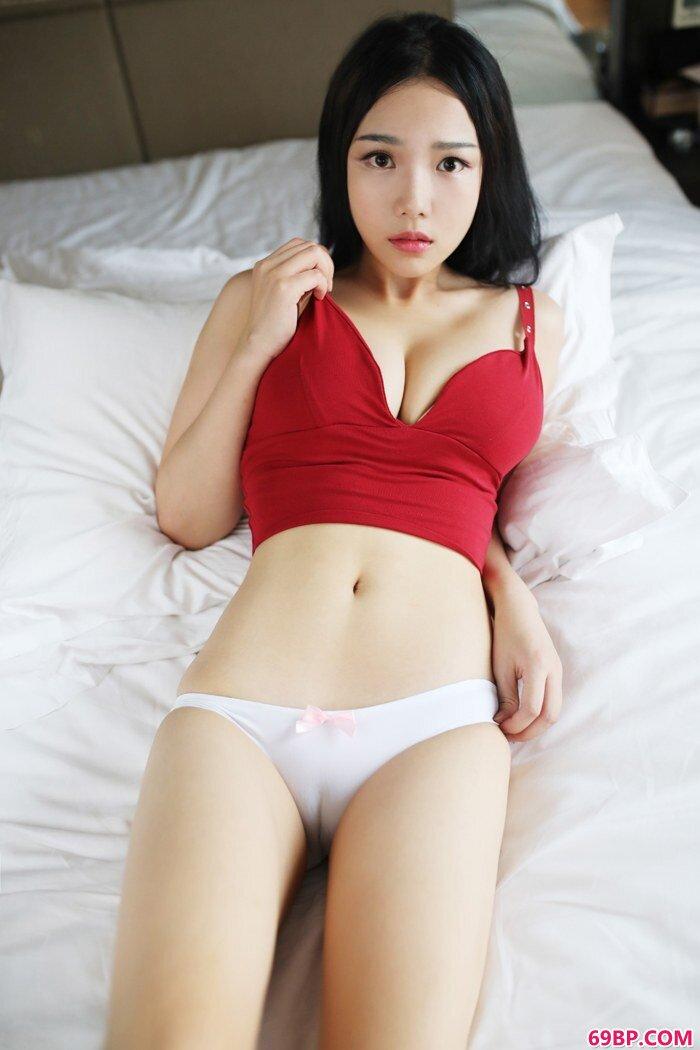 妩媚丽人徐微微酥胸绵软十分诱惑_西西人体305