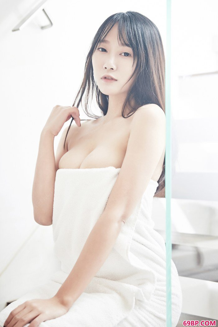 性感玉女何嘉颖性感出浴一眼万年_377P亚洲欧美日本