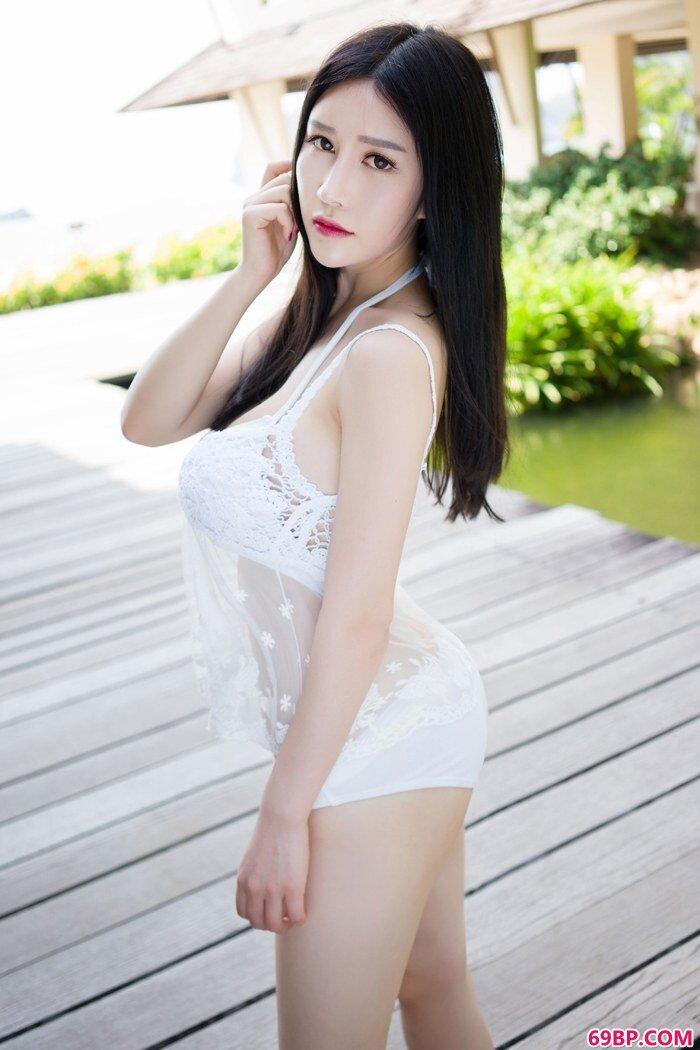 冷艳女神于姬丰腴美乳撑爆白衬衣_西西人体大胆私阴艺术摄影