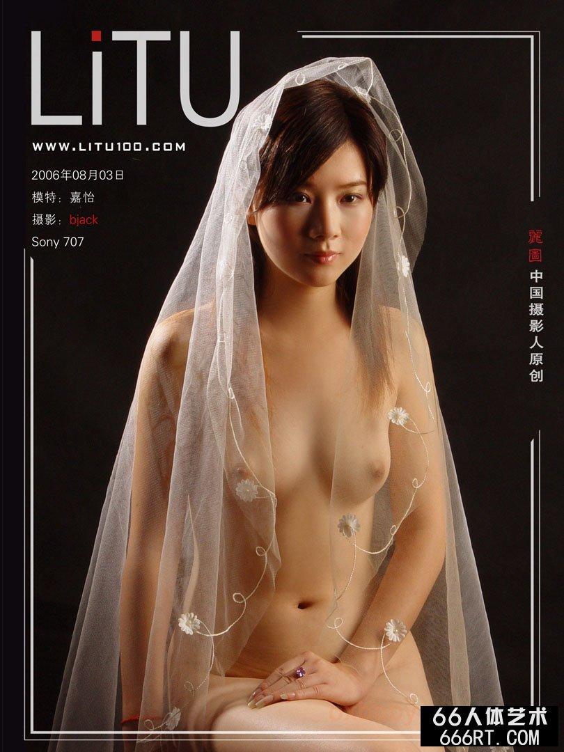 裸模嘉怡06年8月3日黄色背景室拍