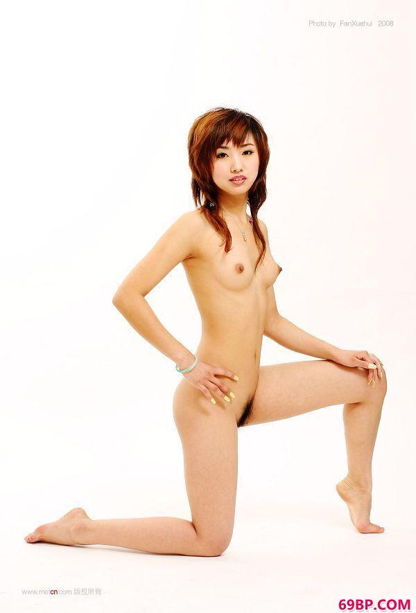 柳菁菁《白色背景前的靓女》7_尤果网图片