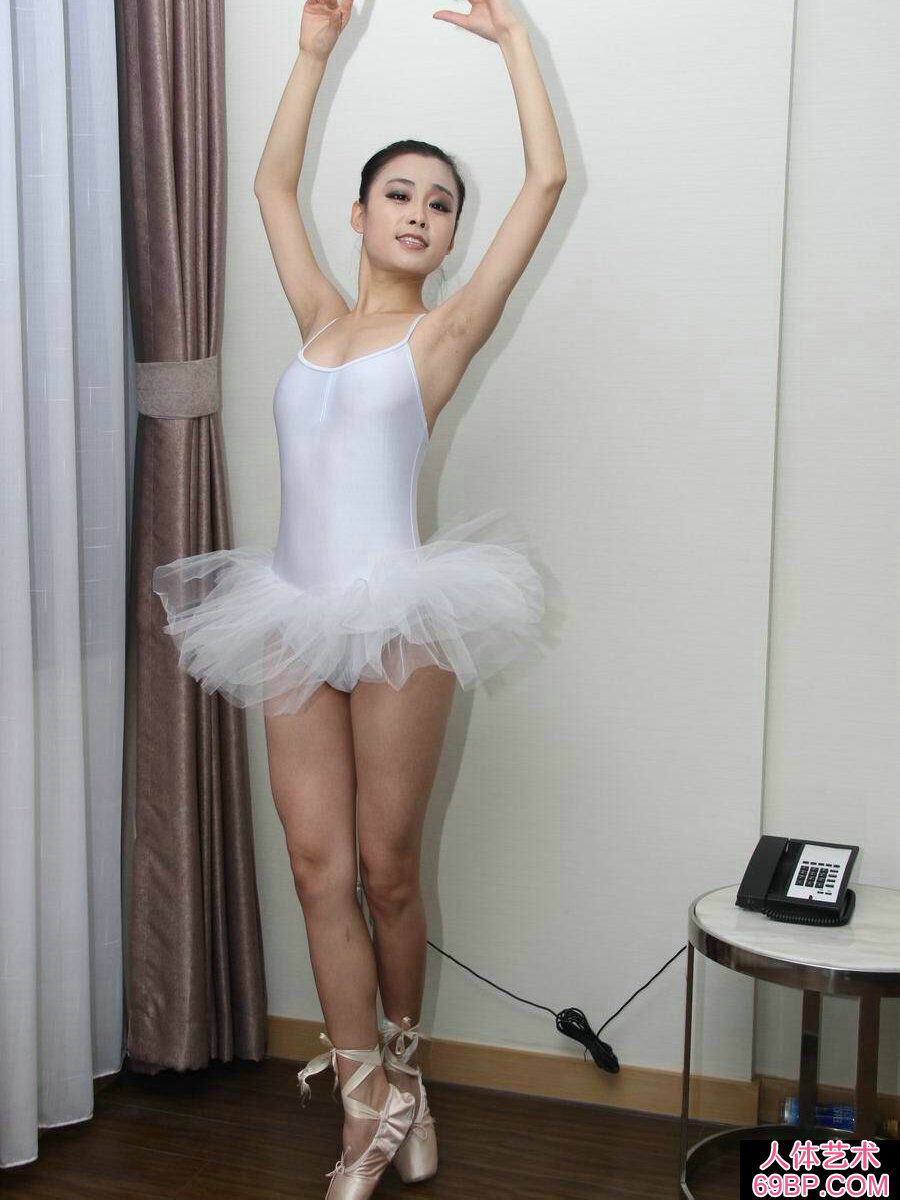 舞蹈系的芭蕾舞妹纸刘诗琪私房照片